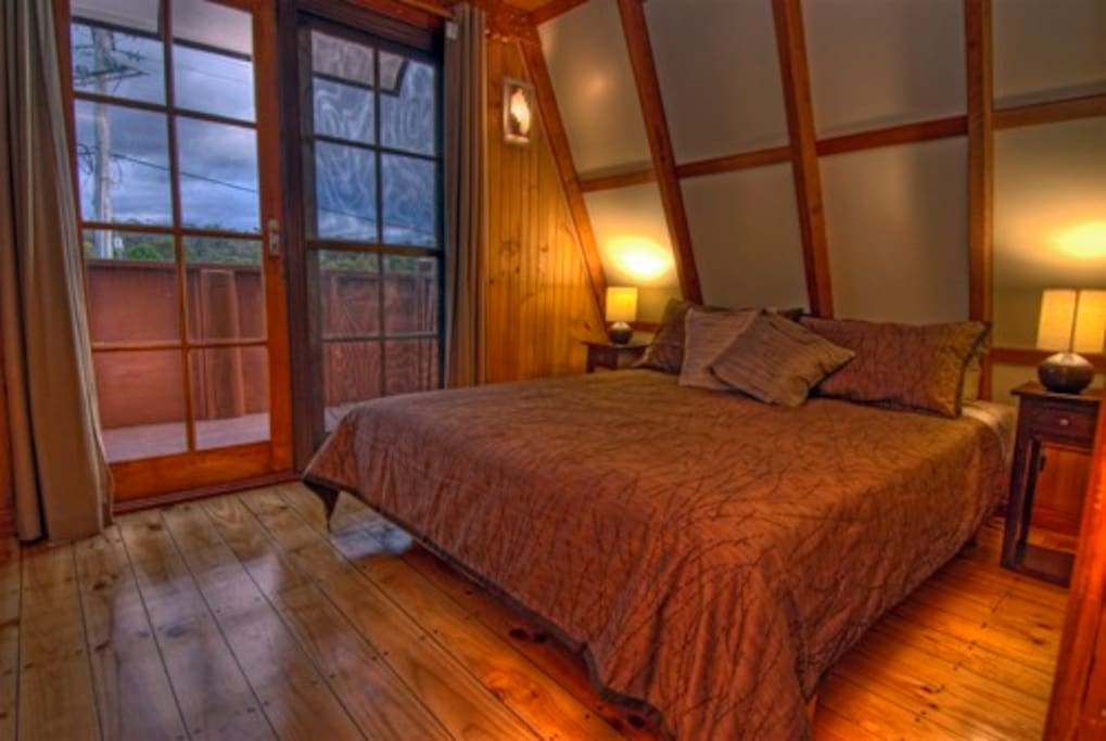 Each bedroom has its own balcony. Beautiful timber floor boards.