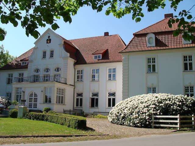 Apartment für 2 auf Schloss Badow - Badow