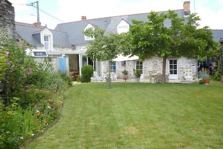 MAISON EN SCHISTE BORD DE LA LOIRE  - Saint-Jean-des-Mauvrets - Hus