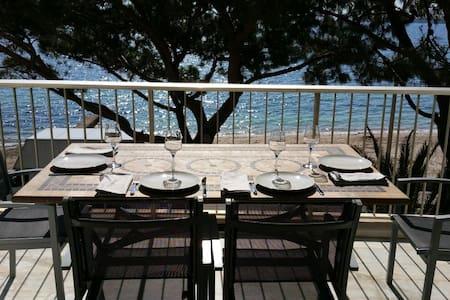 Palm beach, 3 pièces 70 m² face mer - Cannes