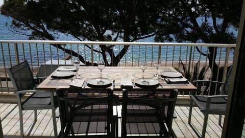 Palm beach, 3 pièces 70 m² face mer, avec parking.