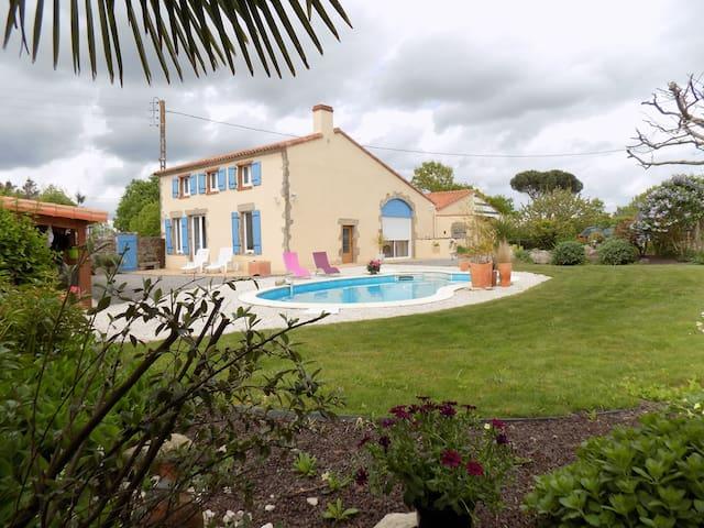 Jolie maison à 20 mns du Puy du Fou - Tiffauges - Haus