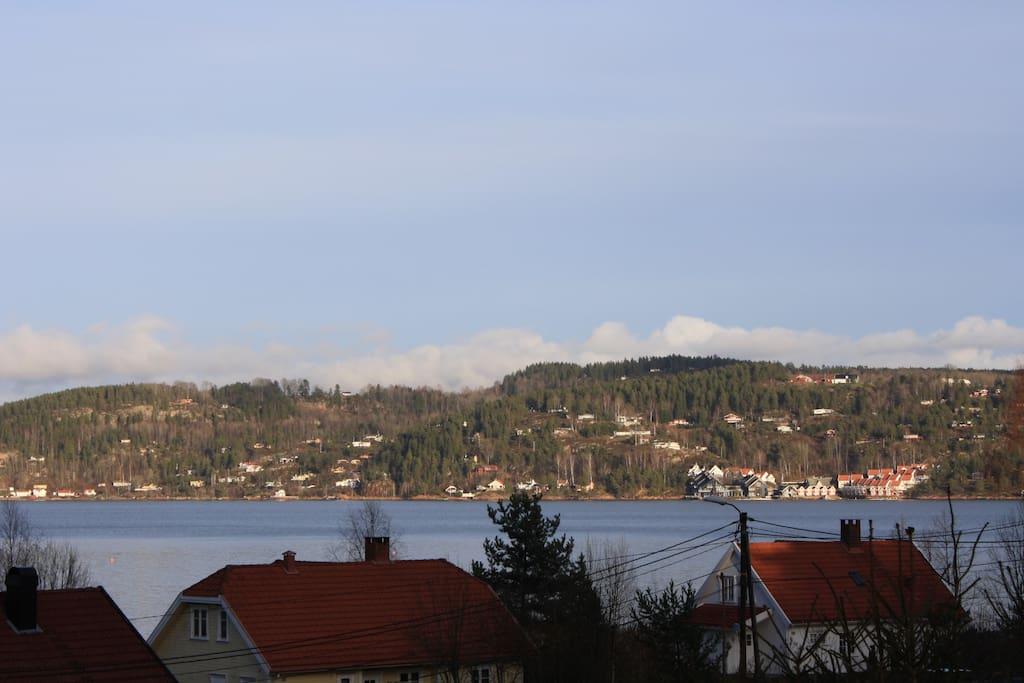 Utsikt mot Holmsbu hotell.