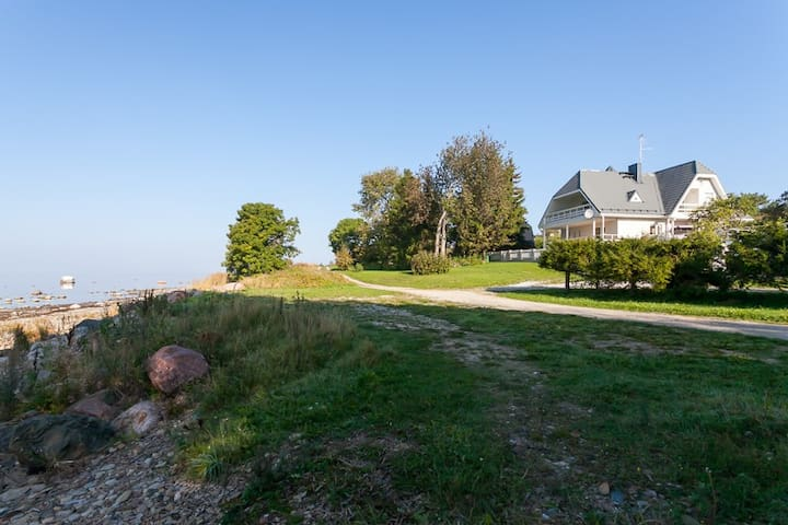 Beachhouse with Stunning Sea Views. - Tallinn - Rumah