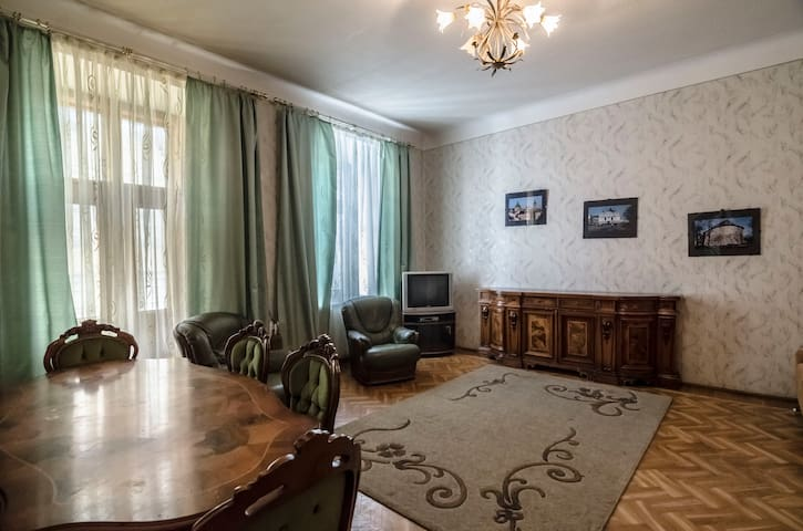 Л.Українки 37 - L'viv - Apartment