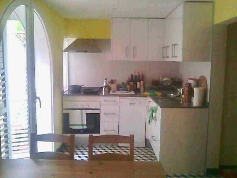 Eat-in-kitchen (cocina-comedor)