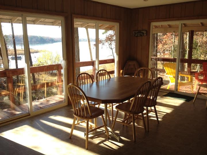 Hummingbird Haven, Kerr Lake Rental