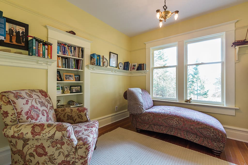 Curl up in the unique guest library