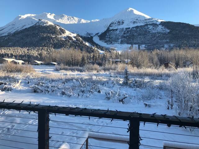 Glacier Creek Mountain View Condo