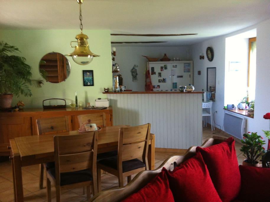 jolie maison dans un petit hameau maisons louer bruz bretagne france. Black Bedroom Furniture Sets. Home Design Ideas