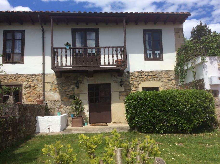Casa r stica en galizano houses for rent in cantabria - Casa rustica cantabria ...