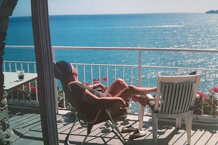 Vista mozzafiato e spiaggia privata - Zoagli - Byt