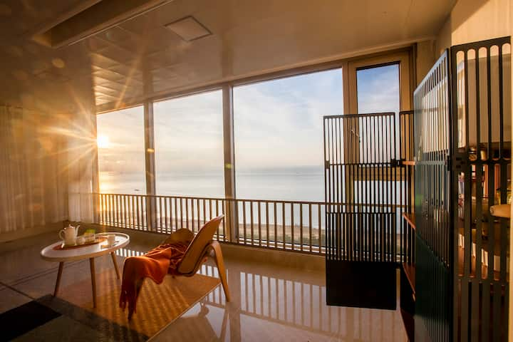【吉客1】,北海,超大落地窗,泳池,北部湾一号全新装修,北欧简约海景,轻奢,夕阳,实景照片