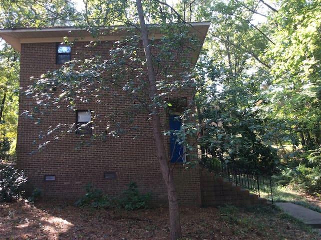 One of a Kind Fayetteville Loft - Fayetteville