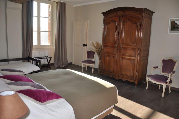 """1 chambre d'hôtes """"Désiré"""" à la Grand'Maison"""