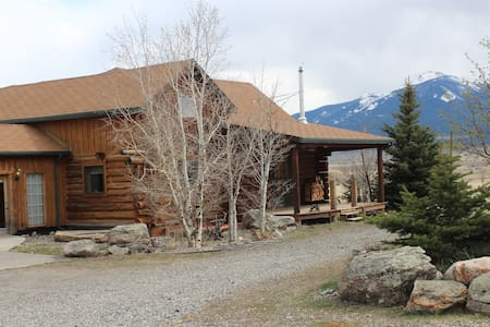 Custom built Montana Log home. - Livingston - Hytte