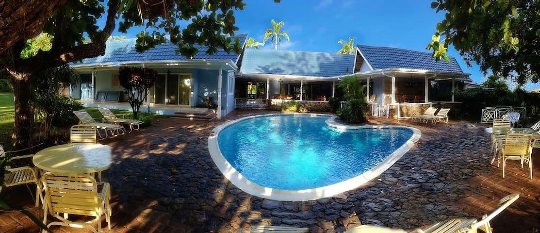 Seven Palms Villa - Runaway Bay