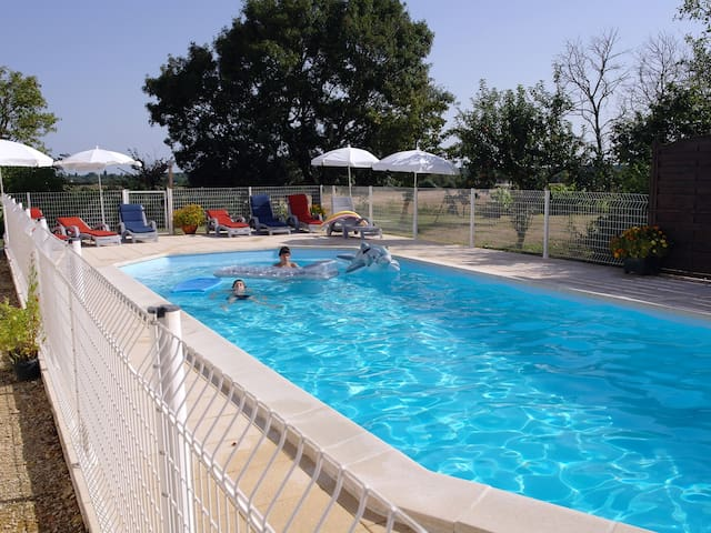 Gite & heated pool nr La Rochelle - Angliers (La Rochelle area) - Appartamento