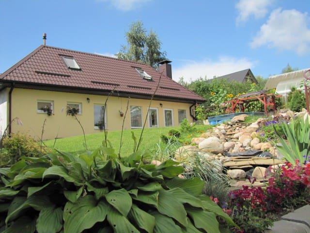 Гостевой домик с баней и барбекю - Lahojsk - House
