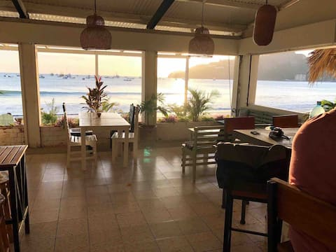 Beach Front Ocean View Private Room Green