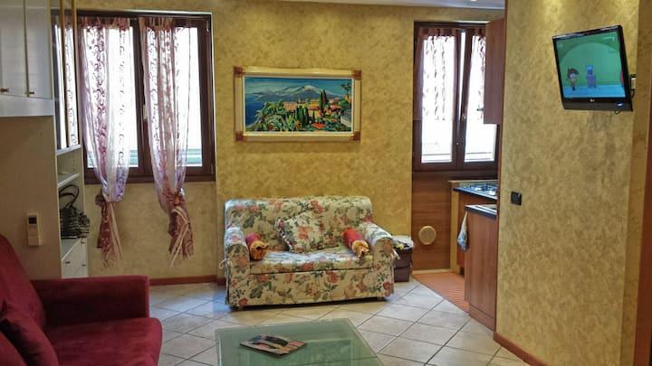 Lovely fully furnished studio