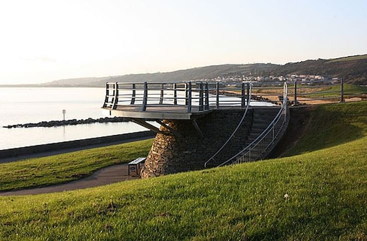 Delightful beach side apartment - Llanelli - Lakás
