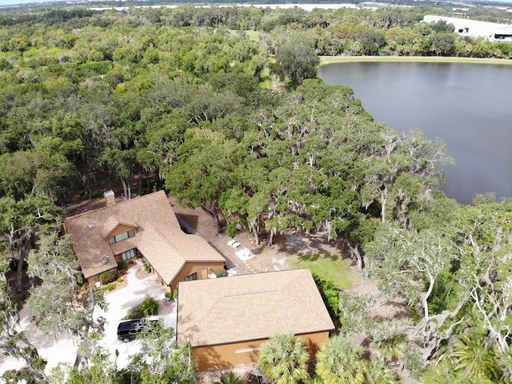 Oak Hammock on the Lake
