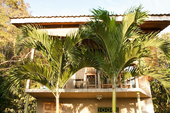 Birdcage Apartment - Surf Vista Villas -  Santa Teresa - Apartment