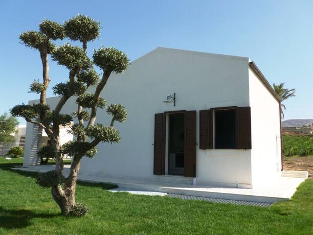 Borgo Giallonardo Country House - Realmonte - House