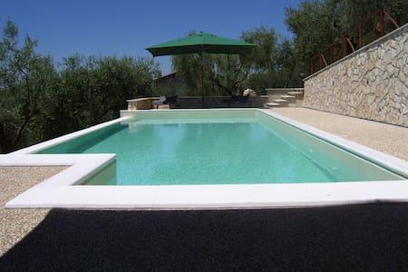 Villa con piscina vicino Roma - Fara In Sabina - Vila