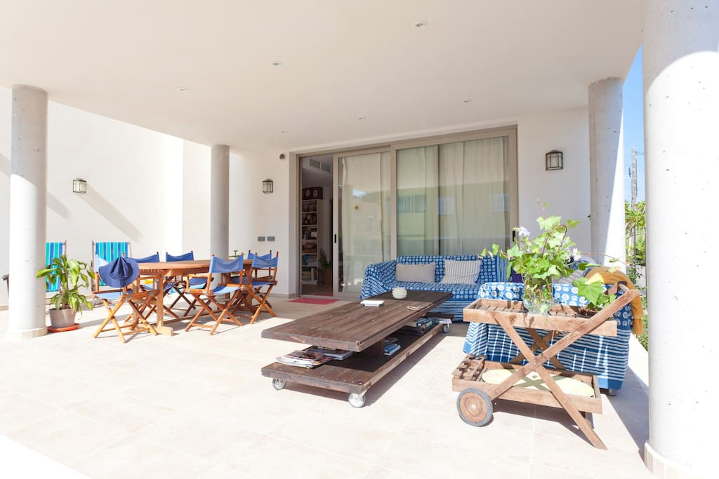 Sunny, private, big Terrace & swimming pool and garden II