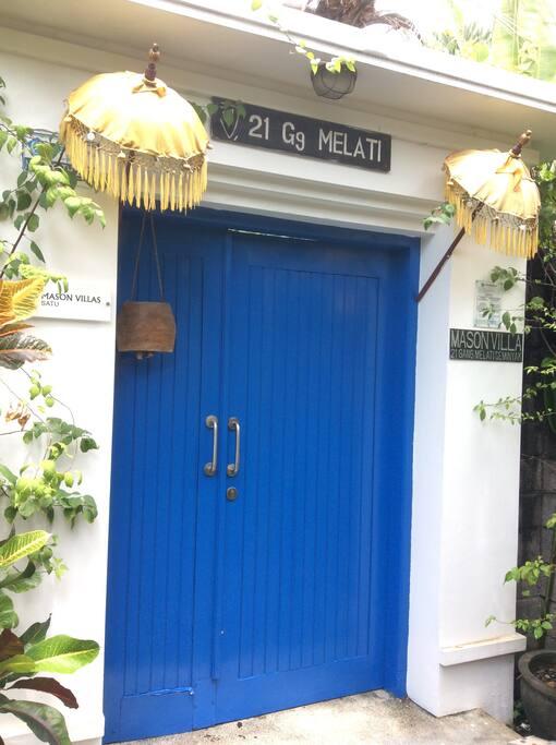 Blue Door - Mason Villa Satu
