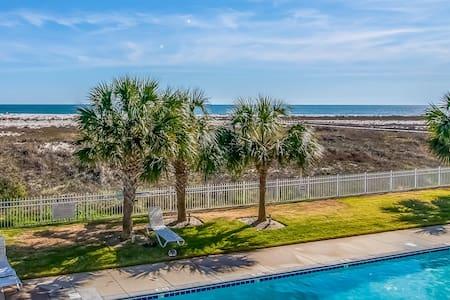 Gulf-front condo w/ balcony, shared pools & beach access!