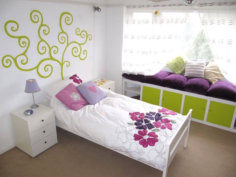 bedroom 1 - option with single bed