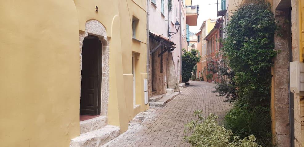 Charmant studio au cœur de la vieille ville