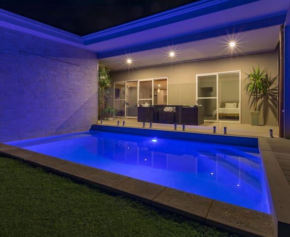 Sols Place // Boutique Pool Villa 1