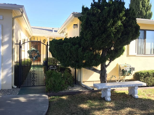 Serene Spacious 4BD/2BA @ Heart of Silicon Valley