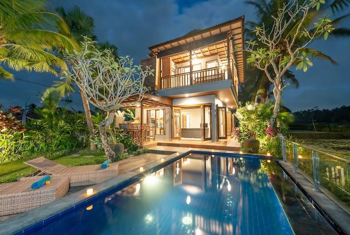 UBUD #3BR Private Pool Villa *Mesmerizing View*