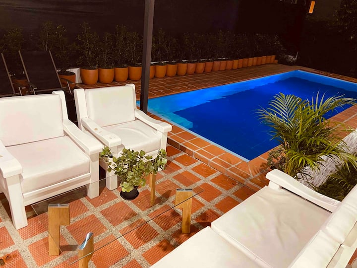 Best Luxury Villa Jacuzzi Pool in Medellin Poblado