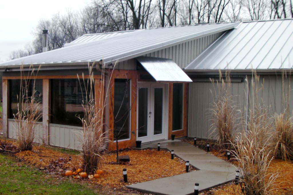 Solar cabin nashville tn cabins for rent in nashville for Large cabin rentals in tennessee