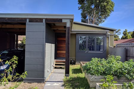 Modern Family Retreat with All the Comfort of Home - Hastings