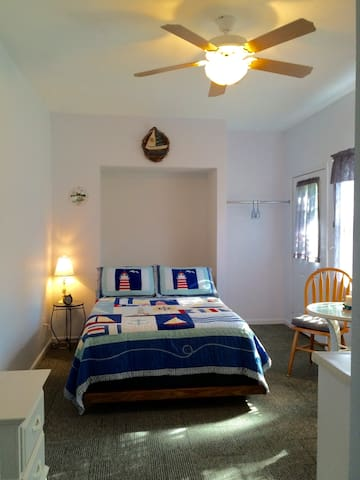 Nautical Guestroom