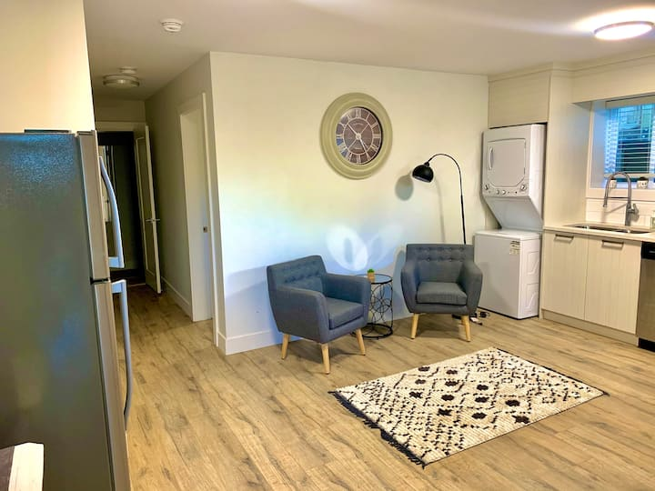 Cozy Entire Guest Suite in Burnaby