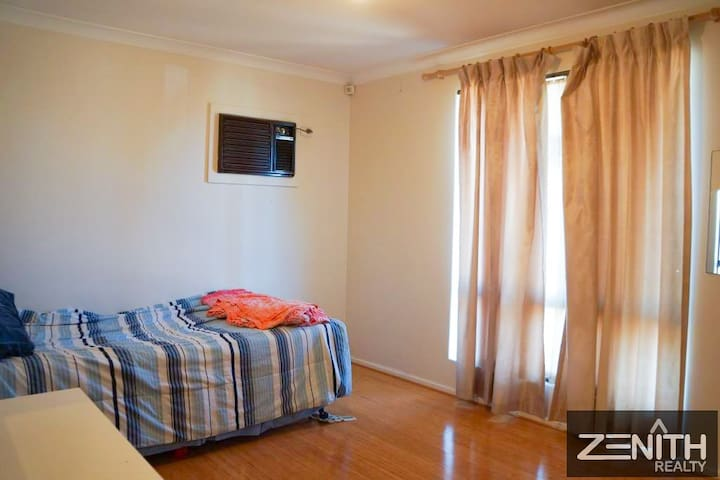 All rooms are airconditioned, 2 rooms with brand new units in 2021.