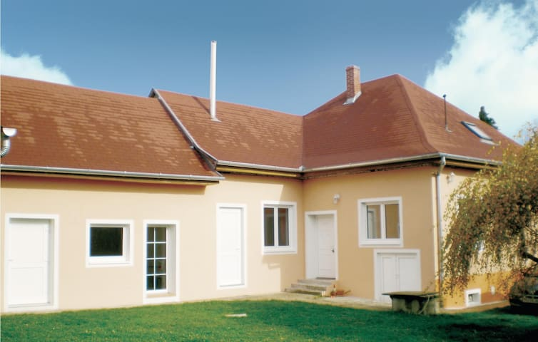 Holiday cottage with 2 bedrooms on 110 m² in Horvátzsidány