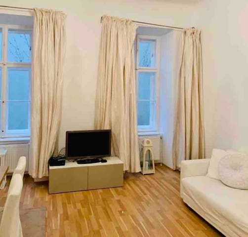 CHARMING FLAT IN BEST AREA