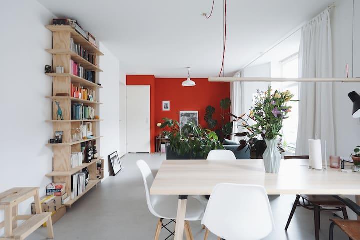 Spacious design apartment near central station