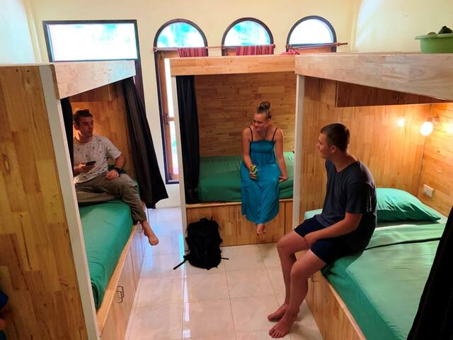 Coco Hostel - Single Bed in a 6-Bed Room