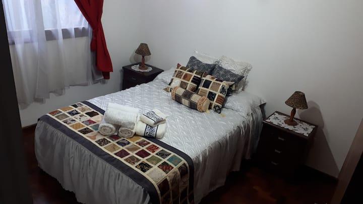 Confortable habitación cerca del Parque San Martín