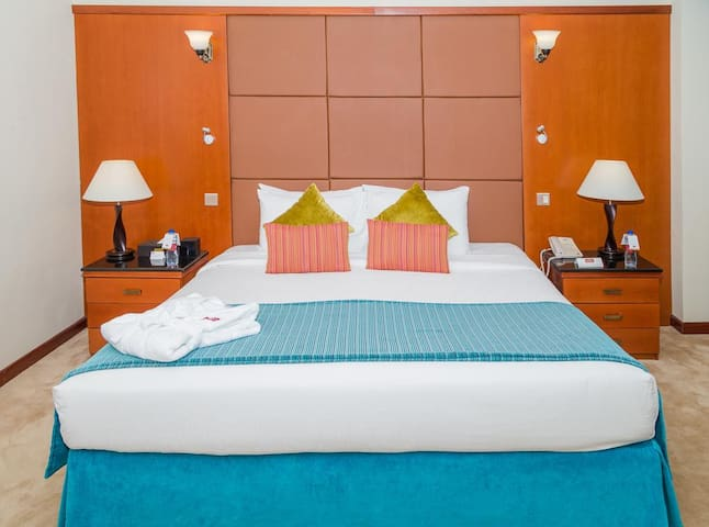 4*Deluxe Hotel with Lowest Rates Inclusive Intern